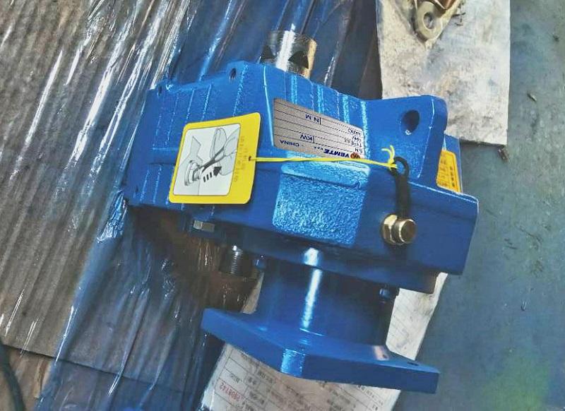 污水处理设备减速机,斜齿轮减速机,电机减速器.jpg