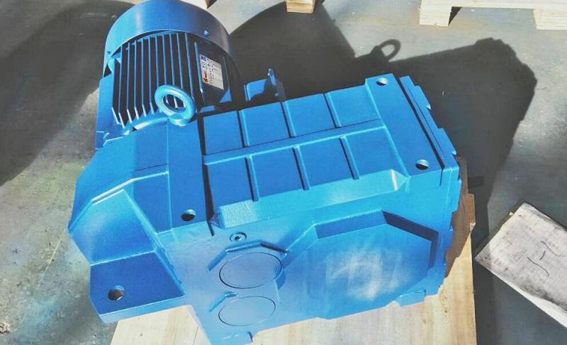 电机减速器,提升机减速机,齿轮减速机.jpg