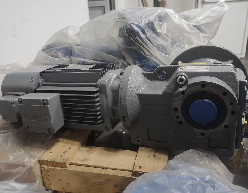 SF77系列减速机型号.jpg
