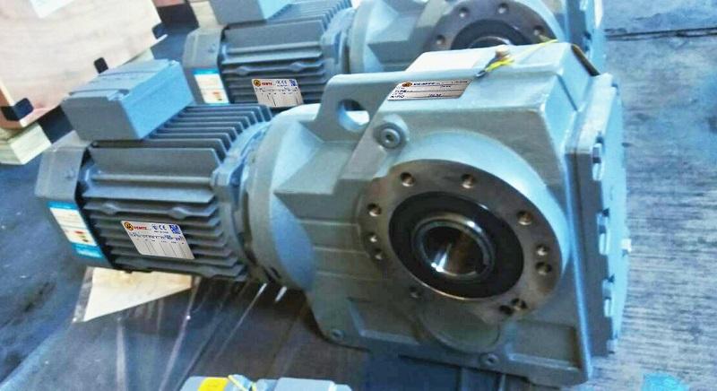 SA型中空减速机2.2KW电机.jpg