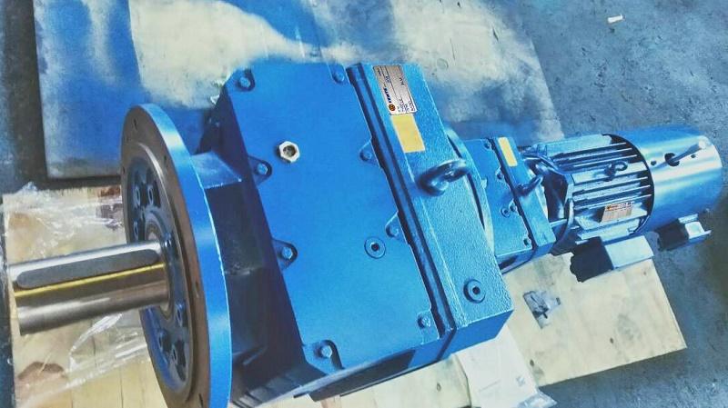 RF77R37系列减速机型号.jpg