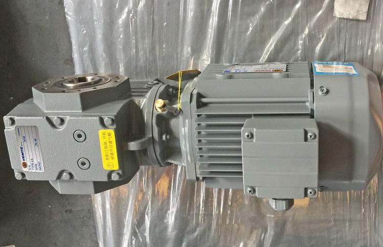 蜗轮减速器带1100W电机.jpg