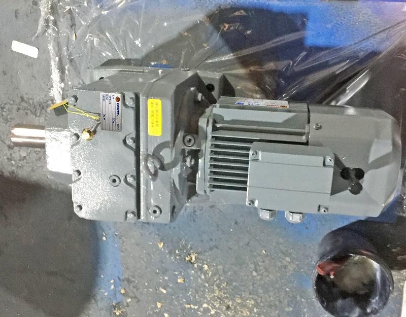 减速机带2500W电机.jpg