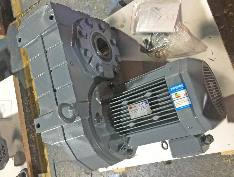 用在木工机械上减速机配电机.jpg
