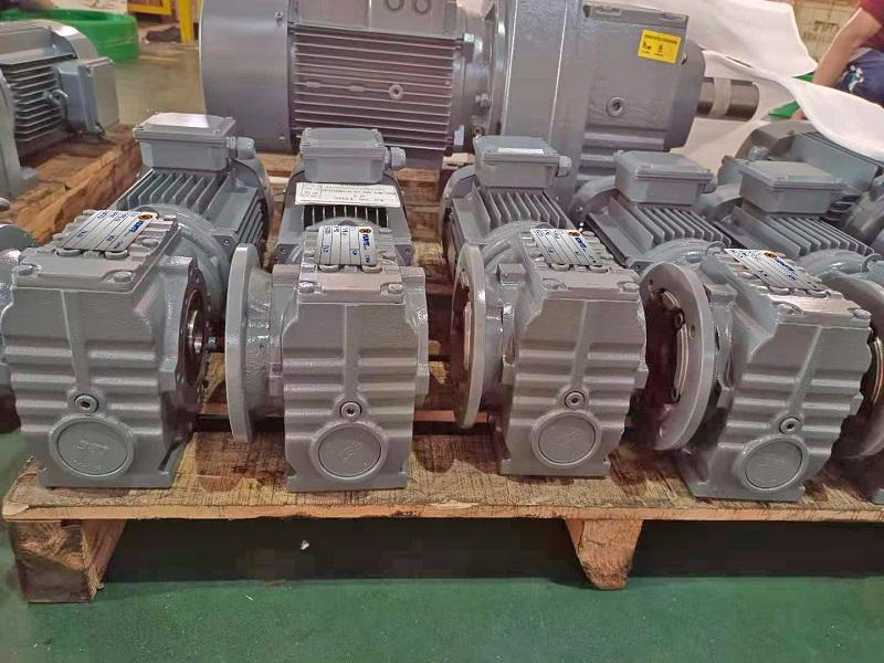 45KW电机减速机,传动带减速电机,减速电机选型样本,45000W减速电机.jpg