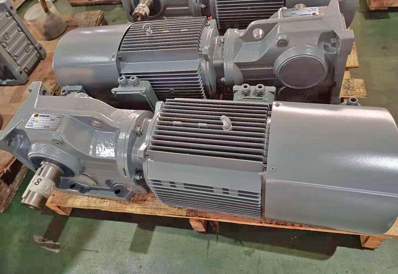 75KW电机减速机,撕碎机减速机,减速机选型样本,75000W减速电机.jpg