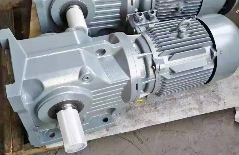 200KW电机减速机,轧机减速机,减速机电机选型样本,200000W减速电机.jpg