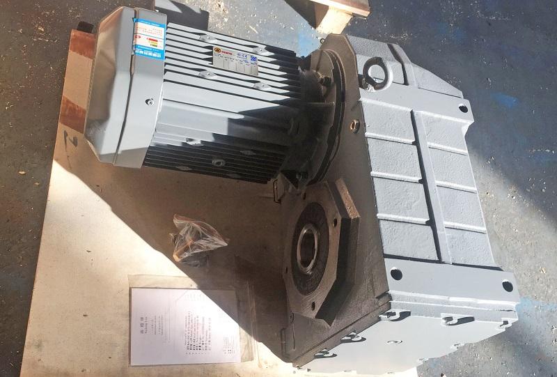 1比16减速电机,1:16减速机,16比减速器,螺旋输送机减速机,减速机选型样本.jpg